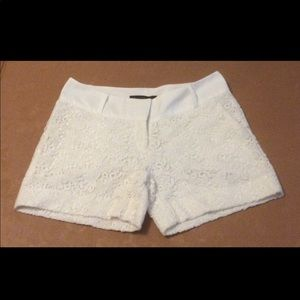 The Limited lace shorts, Drew Fit, Size 6 EUC